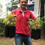 Marcos Pinheiro da cidade de Pirangi, veio buscar 60 mudas de árvores entre nativas e frutíferas para plantar em sua propriedade rural.