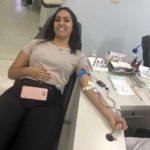 Durante sua doação de sangue Katya Camero fez exames para doação de medula óssea.