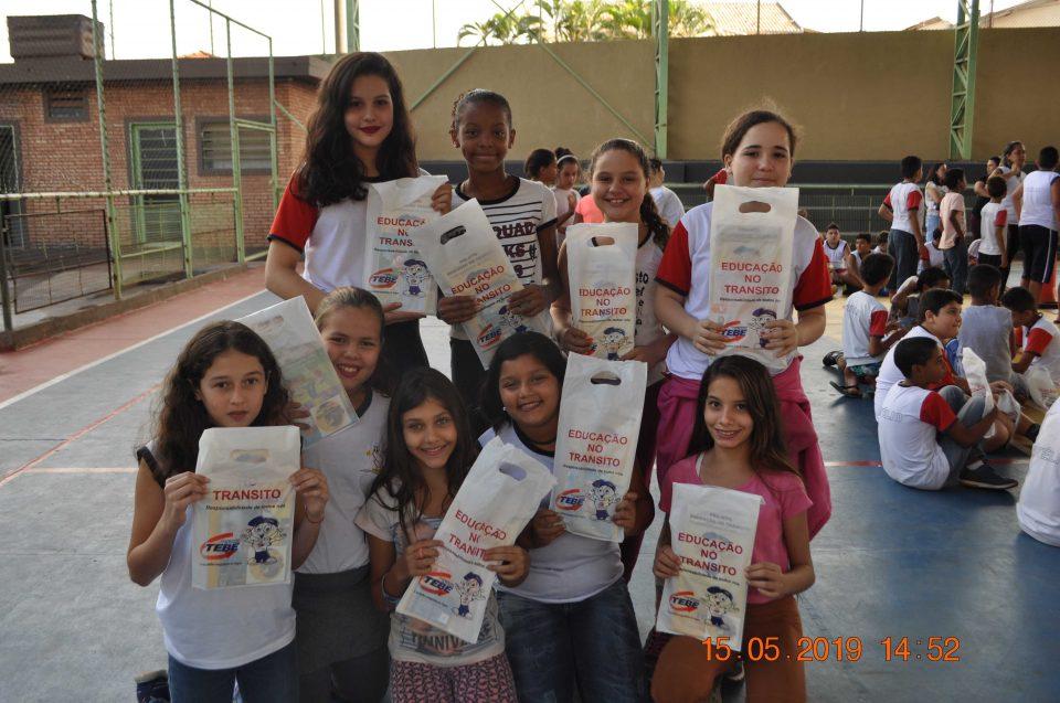 """TEBE levou o Projeto """"Educação no Trânsito"""" na E.M.E.B. Prof. Stelio Machado Loureiro em Bebedouro"""