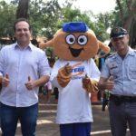 Secretario de Ordem Pública, Claudio Muroni, também esteve presente no projeto em parceria com a TEBE, ao lado do mascote TEBINHO e CB Mattiozzi.