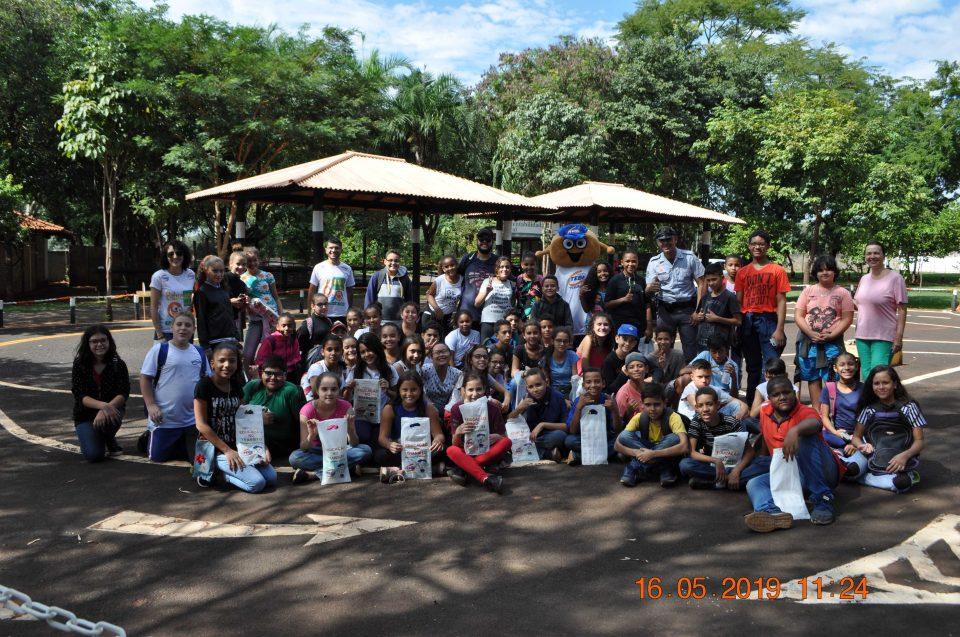 """TEBE e parceiros levaram ação de """"Educação no Trânsito"""" no Rancho do Peãozinho em comemoração ao Movimento """"Maio Amarelo"""""""
