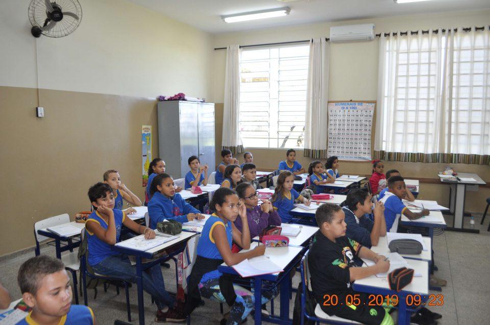A escola EMEB Octávio Guimarães de Toledo recebeu o Projeto Trânsito Seguro da TEBE
