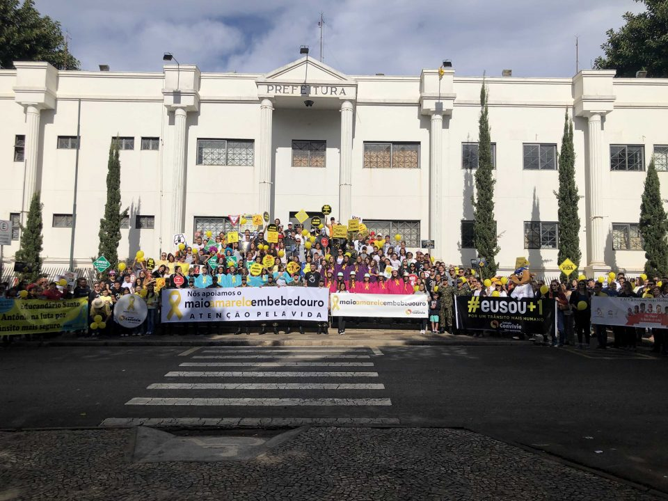 Movimento MAIO AMARELO realizou caminhada Paz no Trânsito em Bebedouro e contou com apoio da TEBE