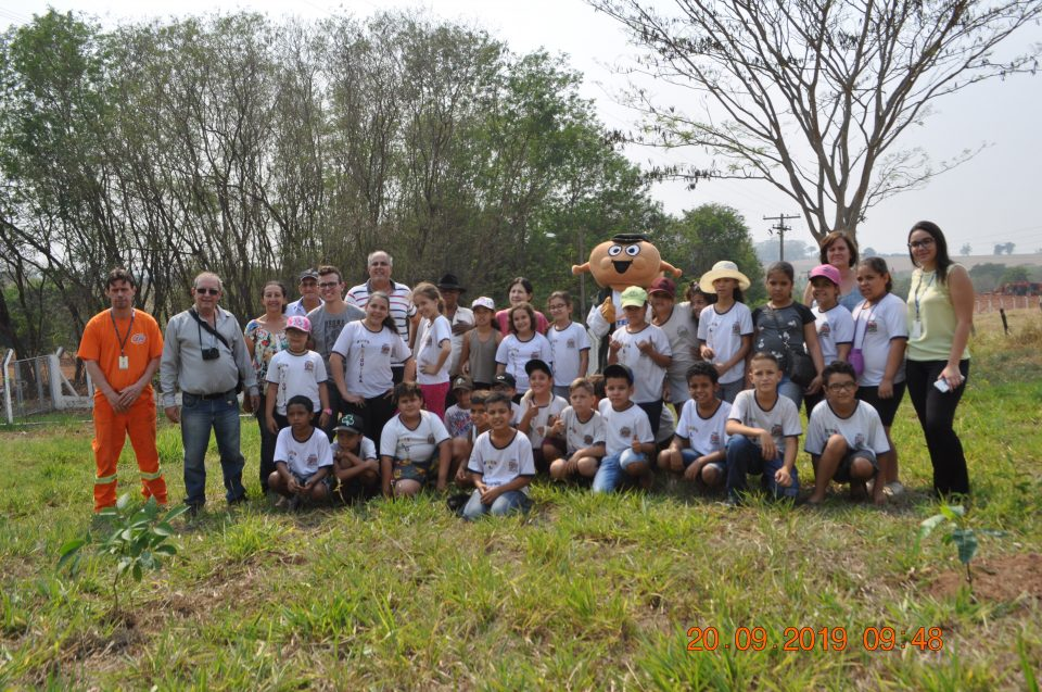 TEBE celebra o Dia da Árvore com o plantio de mudas nativas e frutíferas em Monte Alto