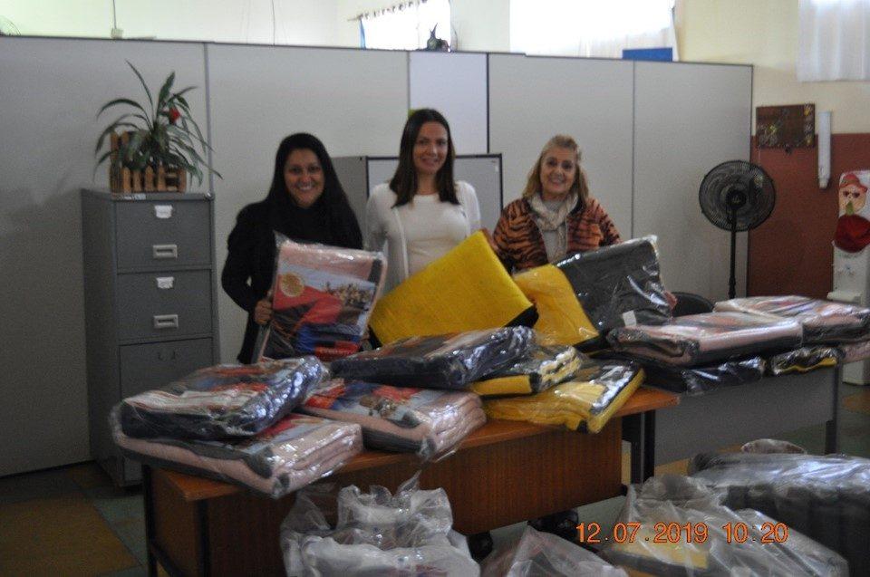 TEBE entrega roupas e cobertores em Palmares Paulista na Campanha do Agasalho 2019
